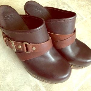 UgG Slip On Brown Leather Shearling Toe Clogs